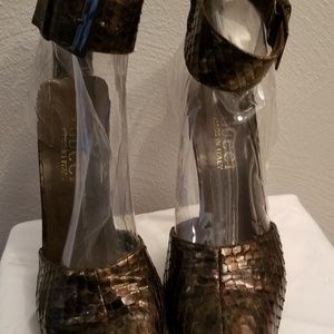 Gucci Shoes - Gucci Snakeskin Pump